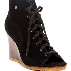 Ugg Elyse Open Toe Lace Up Wedge Leather Bootie